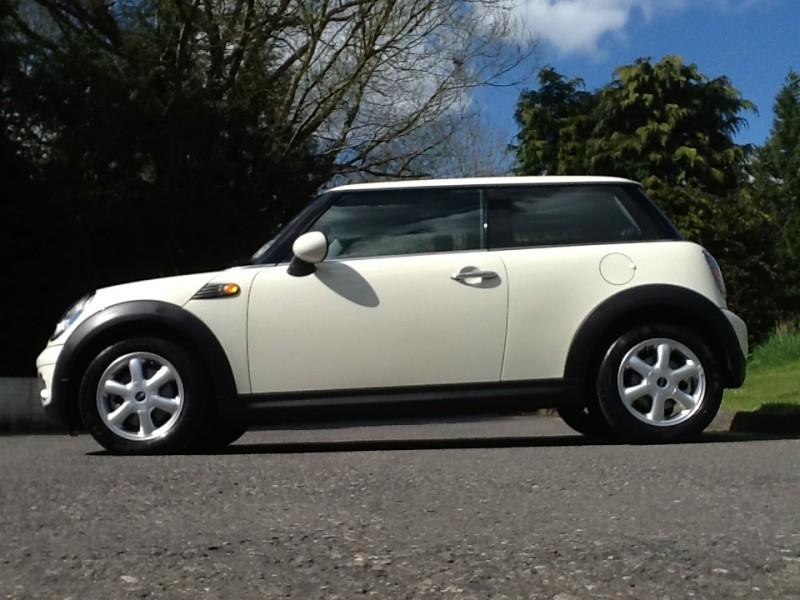 2008 Mini One With Pepper Pack Mrs Mini Used Mini Cars For Sale