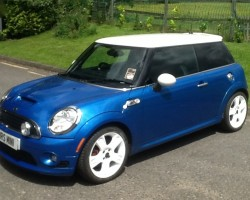Mandy's having this 2009 MINI Cooper S with Stunning Body Kit & Lots of extras – Loving the white wheels but could come with black or silver if you prefer