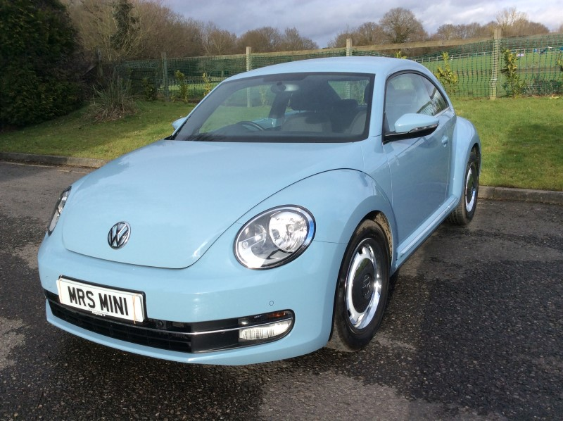 what a fabulous first car chloe 2012 volkswagen beetle stunning in blue mrs mini used. Black Bedroom Furniture Sets. Home Design Ideas