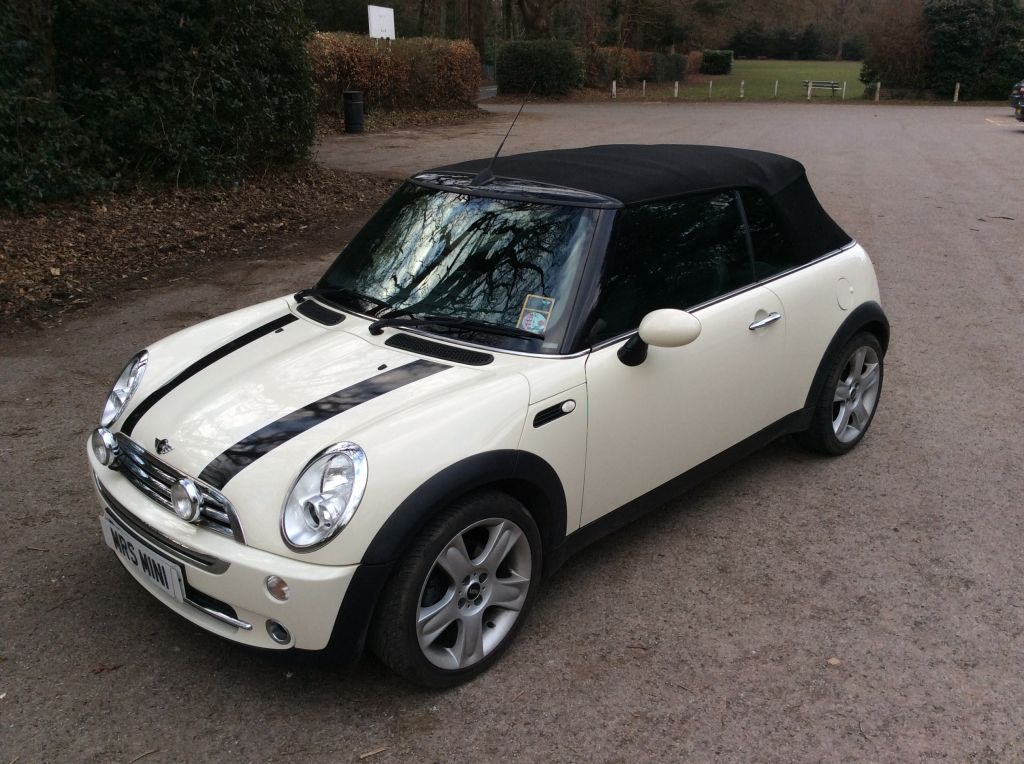 gwen is off to france in this 2008 mini cooper convertible. Black Bedroom Furniture Sets. Home Design Ideas