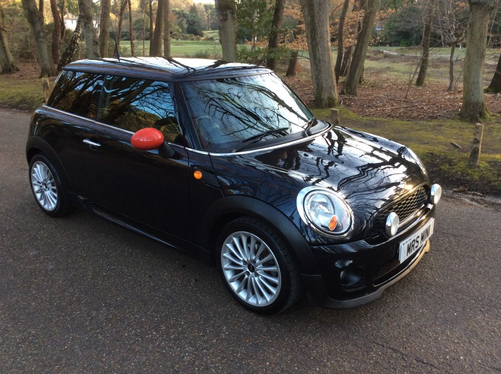 danielle has chosen this 2007 57 mini cooper in black with john cooper works colour coded. Black Bedroom Furniture Sets. Home Design Ideas