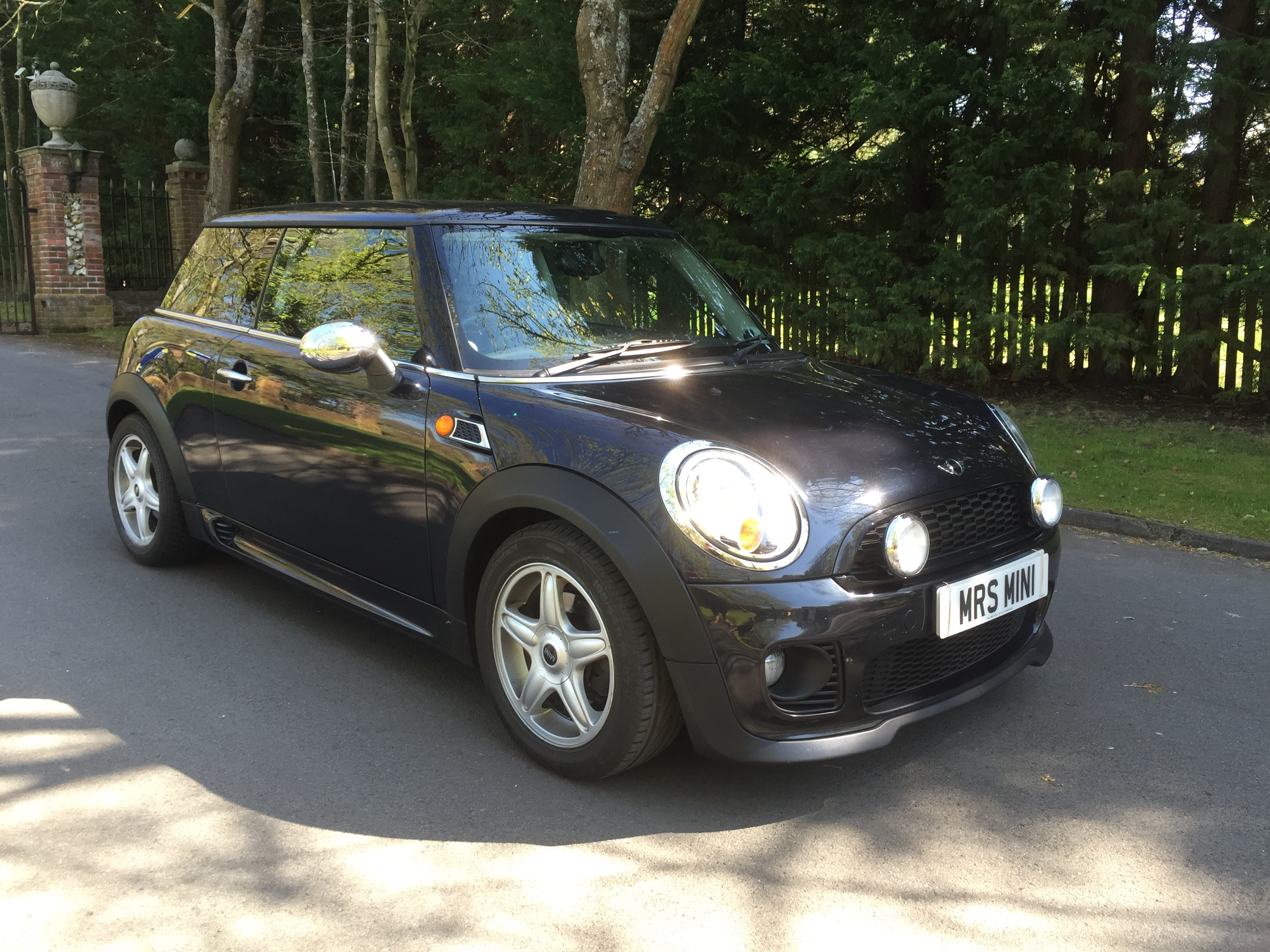 Mini Cooper Owners Lounge >> Kelly has chosen this 2007 /57 MINI Cooper In Black with John Cooper Works Aerobat & Lounge ...