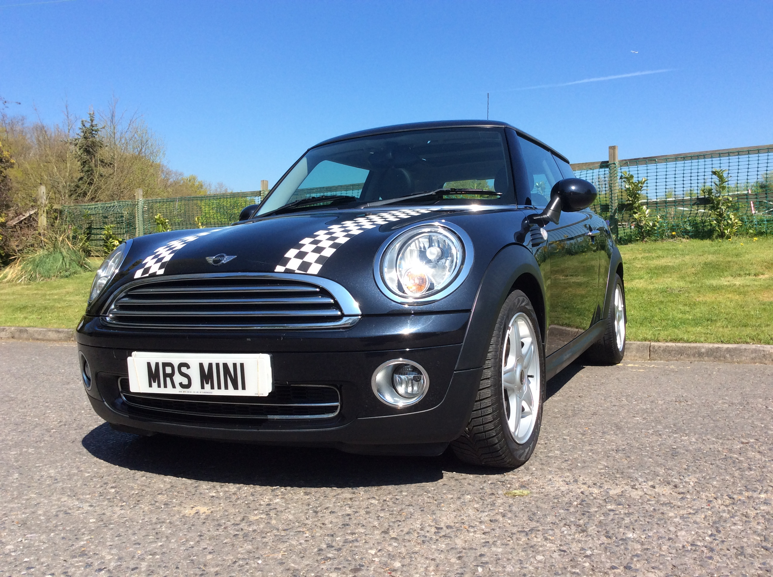 2007 57 mini cooper with full punch leather panoramic sunroof and full service history mrs. Black Bedroom Furniture Sets. Home Design Ideas