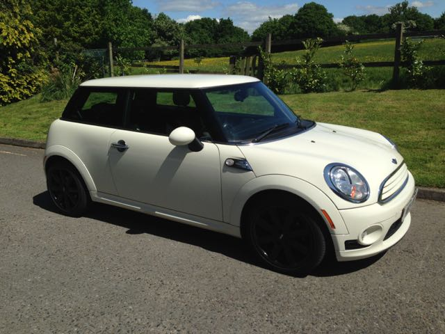 rebecca has chosen this 2010 mini cooper chili pack in. Black Bedroom Furniture Sets. Home Design Ideas