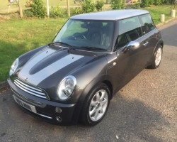 Bob & his wife have chosen this 2006/55 MINI Cooper Park Lane Automatic Height of Luxury In Royal Grey with Fabulous Spec