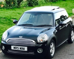 Amanda has chosen this 2010 MINI One 1.4 Tiptronic Automatic Pepper Pack In Midnight Black Metallic