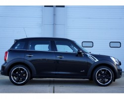 2011 / 61 MINI Cooper S All 4 Countryman with Huge Spec in Absolute Black