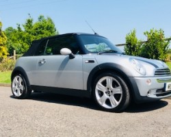 2007 / 57 MINI Cooper Convertible in Pure Silver with Low Miles Just 33K