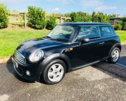 2011 MINI One Auto in Black with Full Service History & Bluetooth