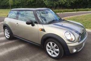 2009 MINI Cooper In Sparkling Silver with Chili Pack Bluetooth & Low Miles