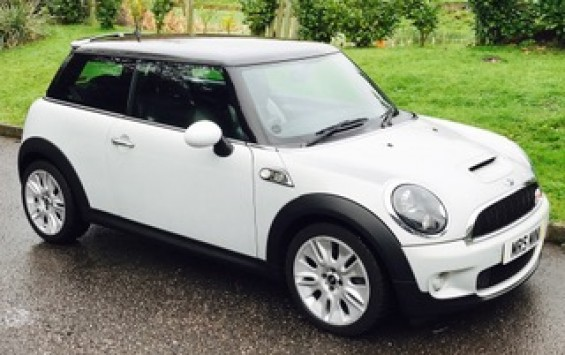 2010 Limited Edition MINI Cooper S Camden Automatic – with Low Miles