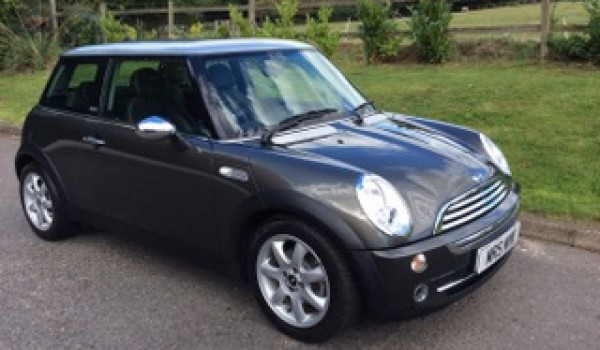 2006 mini cooper park lane limited edition low miles 1 lady owner from new full history. Black Bedroom Furniture Sets. Home Design Ideas