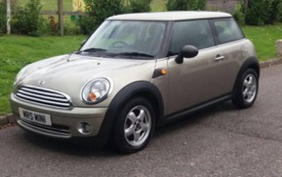 2009 MINI One Hatch 1.4 In Sparkling Silver with Low Miles 36K & Full SERVICE HISTORY