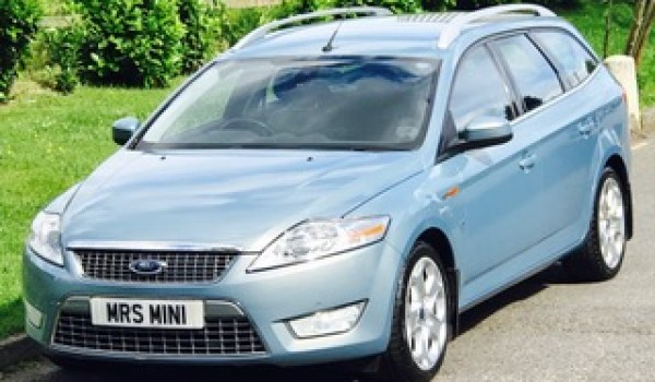 Jan has chosen this 2009 Ford Mondeo Titanium X with just 47K miles – Big Spec & Full Service History with Ford