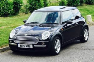 2004 MINI One AUTOMATIC in Astro Black with Sunroof