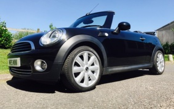 2010 MINI Cooper Convertible Automatic with High Spec & Low Miles