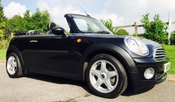 Heidi from Skipton in Yorkshire is having this 2009 MINI Cooper Convertible with Full Lounge Leather Heated Seats & Full Service History