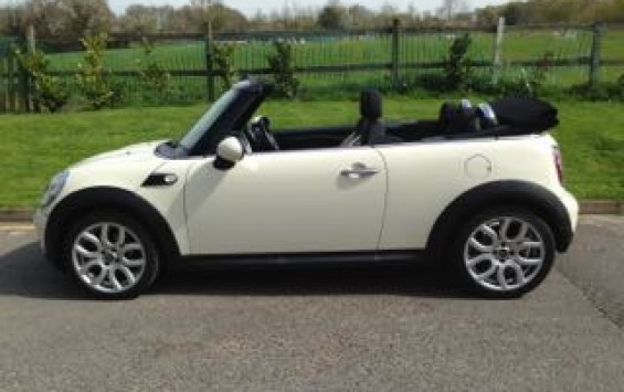 2010 / 60 MINI One Convertible in Pepper White with Pepper Pack.