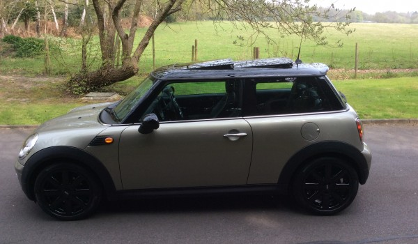 Mini Cooper Owners Lounge >> Simon & Kim have chosen this 2006 / 56 New Shape MINI Cooper with Really Nice Spec - Mrs MINI ...