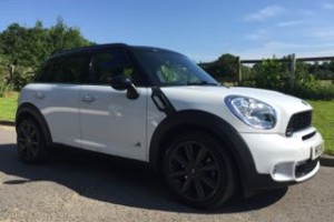 2011 MINI Countryman Cooper S All 4 in White with Chili & Visibility Packs & Full Black Leather Interior Sat Nav, Bluetooth & So much more