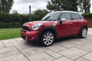 2014 MINI Cooper S All 4 Countryman in Blazing Red with MORE TOYS THAN HAMLEY'S Sunroof Full Leather Heated Seats, Sat Nav & Bluetooth plus more