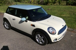2009 MINI One in Pepper White with Ice Blue Roof Pepper Pack & Half White Leather Sports Seats
