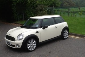 2010 / 60 MINI ONE – UNUSUALLY HIGH SPEC – Bluetooth, Alloys & Half Leather
