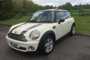 2009 MINI Cooper Chili in Pepper White with Lounge Leather & Panoramic Sunroof