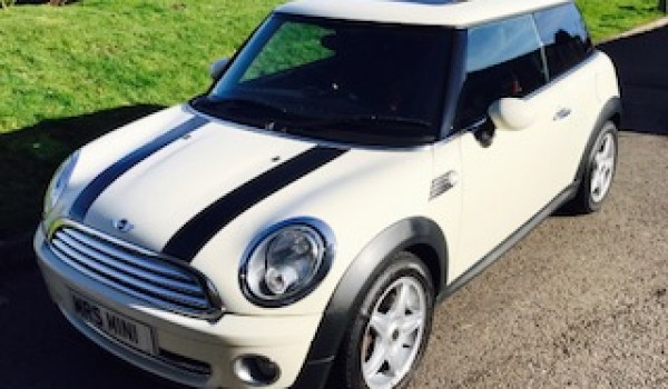 2010 MINI Cooper Chili AUTOMATIC with SUNROOF & Half Red Leather Sports Seats