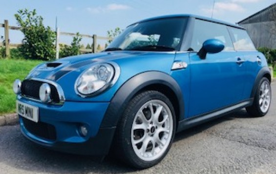 2010 MINI Cooper S with Chili Pack & Very Low Miles