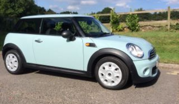 2013 mini one in ice blue with salt pack bluetooth mrs mini used mini cars for sale. Black Bedroom Furniture Sets. Home Design Ideas