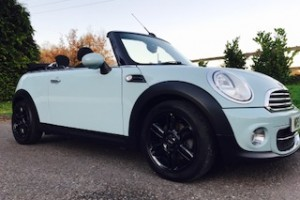2013 / 63 MINI Cooper Diesel Convertible in Ice Blue – Just Serviced, BIG SPEC Including B'Tooth, Chili Pack & Multifunction Steering Wheel with Cruise Control too