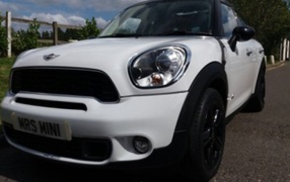 Nigel is being given first refusal on this MINI when she arrives  2011 MINI Countryman Cooper S All 4 In White with HUGE Spec – Sunroof Navigation Full Leather & Bluetooth & More