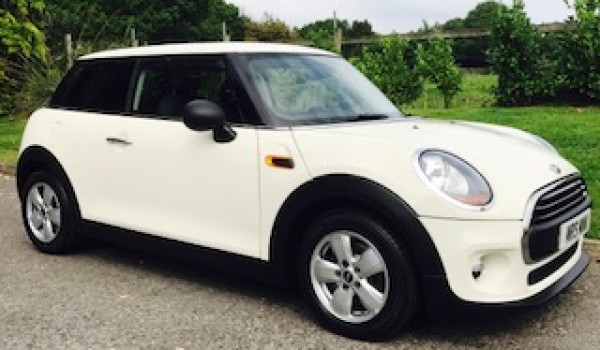 Someone is getting a Fab birthday present!!  2014 / 64 MINI One 1.2 One (Media XL) Hatchback 3dr with Sat Nav & More