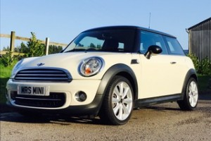 2010 MINI Cooper Chili Pack In Pepper White With Full MINI Service History & Long MOT