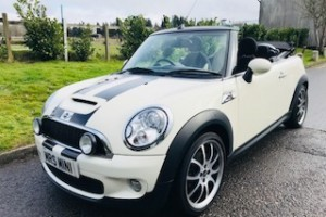 2009 MINI Cooper S Convertible with Chili Pack & Big Spec