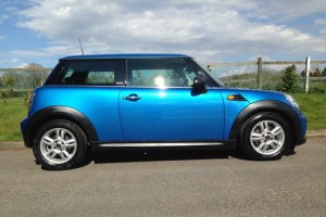 2011 MINI One Pimlico in Lazer Blue with Pepper Pack Bluetooth & USB