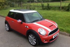 2009 / 59 MINI Cooper S with Chilli Pack Electric Double Panoramic Glass Sunroof & Bluetooth 1 Owner Called Raskel!