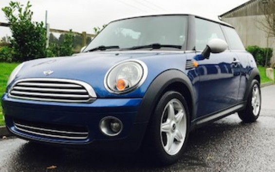 2008/58 MINI Cooper in Lightening Blue with Chili Pack & Full Service History