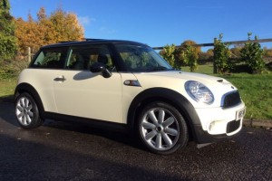 2009 MINI Cooper S Automatic Pepper White With Chili & Visibility Packs Plus Panoramic Glass Sunroof & Half White Leather Heated Seats
