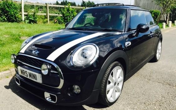 "2014 MINI Cooper S – Stunning MINI 18K miles with Sunroof Leather & ""MINI EXCITEMENT PACKAGE"""