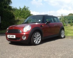 Pippa has chosen this as her 2nd MINI from us – Hope you have as much enjoyment from this MINI as your first one Pippa – 2007 MINI COOPER WITH PANORAMIC GLASS SUNROOF & CHILI PACK – OH & LOW LOW MILES TOO