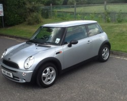 Gabby will be taking Yogi home with her to lear to drive in….    (watch out for his new name!) 2006 MINI ONE in PURE SILVER– VERY LOW MILES & IN FANTASTIC SHAPE FOR HER AGE….  Now wearing upgraded 15″ Alloy Wheels