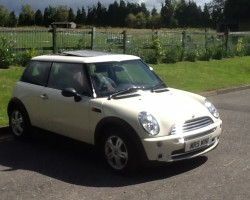 2006 MINI ONE with AIR CON SUNROOF HALF LEATHER & FULL MINI HISTORY – OH & JUST 24K MILES