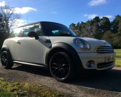 2009 MINI Cooper in Pepper White with Chilli Pack & Black John Cooper Works Wheels – which can be changed if you prefer