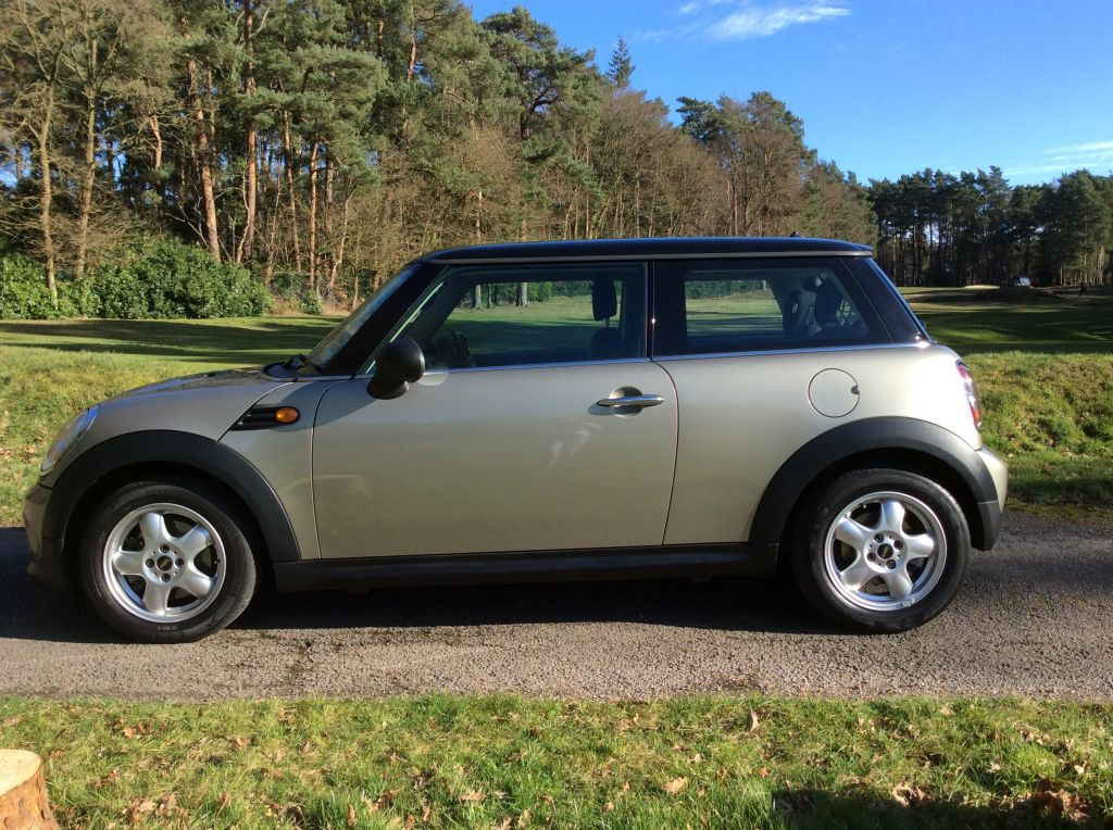 2010 Mini One 1 6 In Sparkling Silver Mrs Mini Used