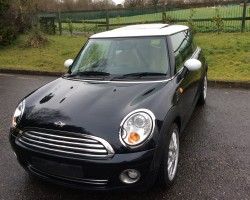 Andy has chosen this 2006/56 MINI Cooper with Chili Pack Full Leather & Panoramic Glass Sunroof