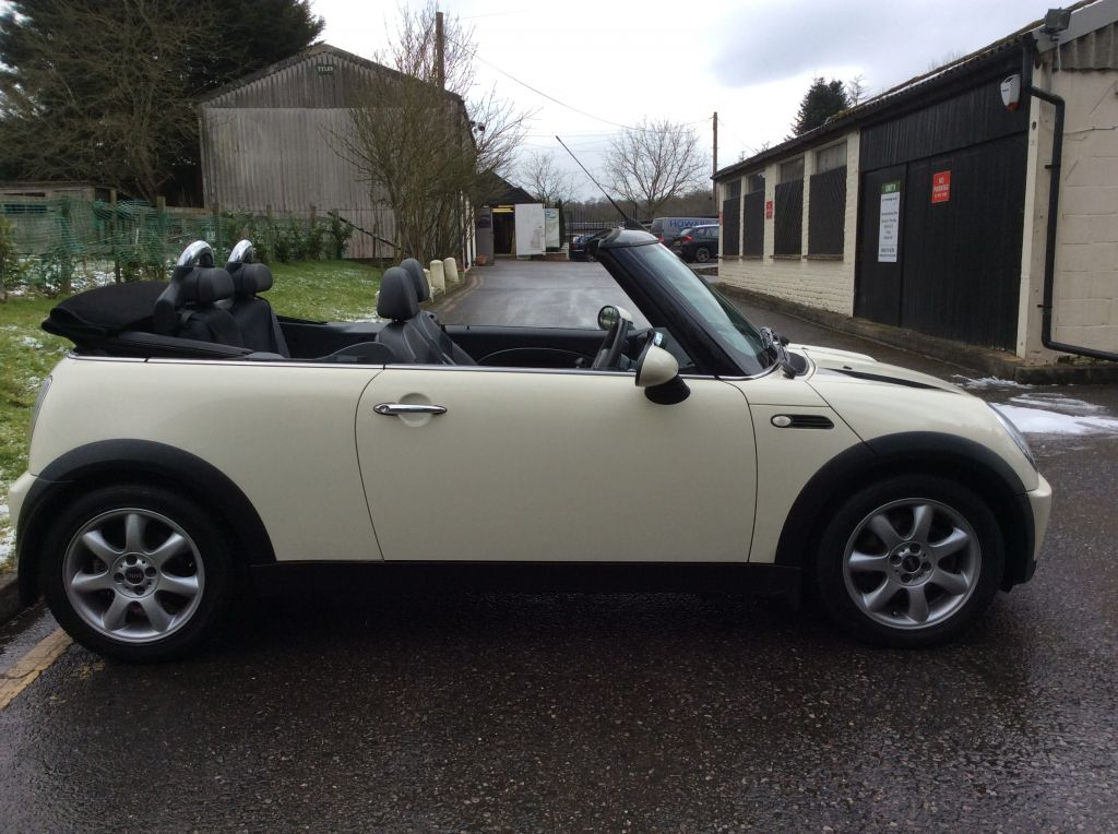 yasmine chose this 2008 mini cooper convertible chili pack. Black Bedroom Furniture Sets. Home Design Ideas