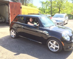 Melanie has chosen this 2010 (60) Midnight Black Cooper Diesel with SPORTS & Chili Pack – LOVING THE COLOUR CODED LOOK OF THIS MINI