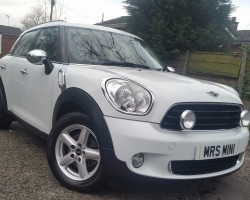 2010 MINI One Countryman in White with Low Miles